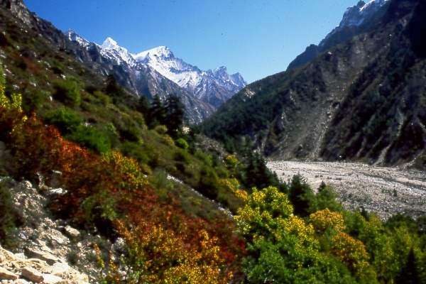 Welcome to the Saifee '99 image gallery. Witness the beauty of the Himalayas and the might of the mountains.